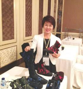 """""""รองเท้านินจา"""" จากสินค้าโอทอป สร้างแบรนด์ CS โดนใจเกษตกรทั่วอาเซียน"""