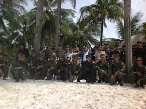 ทหารสนธิกำลังเจ้าท่าฯ และป่าไม้ตราด บุกตรวจสอบเกาะขาม หลังพบนายทุนบุกรุกที่ดิน-ป่าไม้-ทะเล