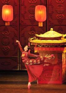 """ชมบัลเลต์ """"Raise the Red Lantern"""" ที่โรงละครแห่งชาติปักกิ่ง"""