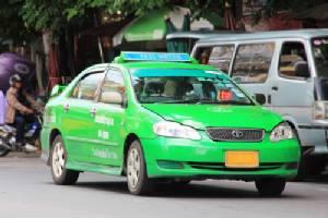 """""""คมนาคม"""" ชี้ขึ้นราคาแท็กซี่ต้องดูต้นทุนและผลกระทบเงินเฟ้อก่อนตัดสินใจ"""