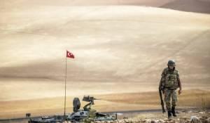 """กลุ่มนักรบ IS ในซีเรียฝ่าด่านโจมตีทางอากาศมะกัน รุกคืบเข้าใกล้ """"พรมแดนตุรกี"""""""