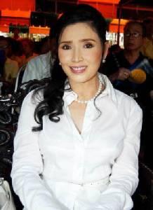 ชมความงาม 2 เซเลบริตี้บาร์บี้เมืองไทย