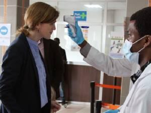 เพนตากอนใช้ฐานทัพอิตาลีแยกทหารกลับจาก ปท.อีโบลา - UN กังวลแผนกักกันโรคสหรัฐฯ