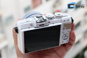 Review: Olympus PEN Lite E-PL7 เซลฟีก็ได้ ถ่ายสตรีทโฟโตก็แจ่ม