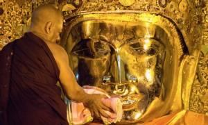 """ธรรมาภิวัตน์  : พม่า 5 มหาสถาน (ตอน1) """"พระมหามัยมุนี"""" พระพุทธรูปมีชีวิต"""