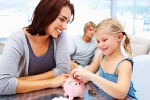 """5 วิธีสอนลูกให้เห็นค่า """"เงิน"""" มากกว่าบูชา """"เงิน"""""""