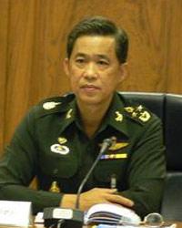 ผบ.สส.นำผู้นำเหล่าทัพวางพวงมาลาวันกองทัพไทย ชมทุกฝ่ายทุ่มเทปฏิบัติหน้าที่