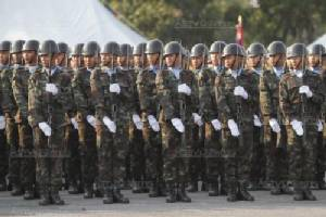 """""""อุดมเดช"""" เป็นประธานถวายสัตย์ปฏิญาณ """"ธงชัยเฉลิมพล"""" วันกองทัพไทย"""
