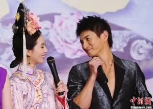 """คู่ขวัญ Bu Bu Jing Xin """"อู๋ฉีหลง-หลิวซือซือ"""" จดทะเบียนสมรสกันแล้ว"""