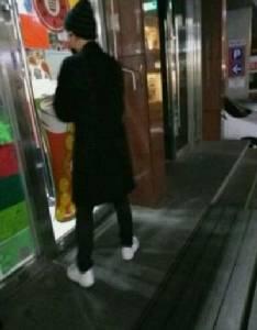 """โอละพ่อ! ภาพเดต """"แทยอน SNSD –แบคฮยอน EXO"""" ที่แท้โฟโตช็อป"""