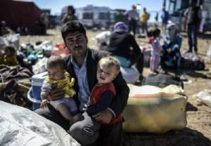"""ตุรกีเปิด """"ค่ายผู้ลี้ภัย"""" ใหญ่สุดของประเทศ มุ่งรองรับผู้พลัดถิ่นหนีภัยสู้รบ IS จากซีเรีย"""