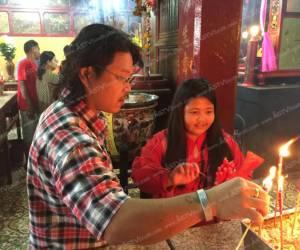 ชาวไทยเชื้อสายจีนแห่สักการะเจ้าแม่ลิ้มกอเหนี่ยวในเทศกาลตรุษจีนอย่างคึกคัก