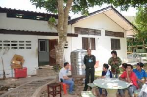 """ทหารนำกำลังลุยตรวจบ้านพักหรูนายทุนใหญ่สมุทรสาคร """"หุยากรณ์"""" บุกรุกป่าอุทยานกุยบุรี"""