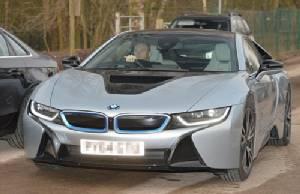 """โห!! """"รูน"""" บึ่ง BMW i8 hybrid มาซ้อม ก่อนดวล """"หงส์"""""""