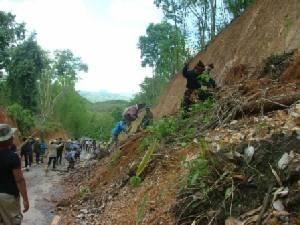 """เปิดเขตอันตราย """"ดินถล่ม"""" ทั่วไทย จะแก้ไขอย่างไร เมื่อสร้างบ้านผิดที่ผิดทาง!!"""