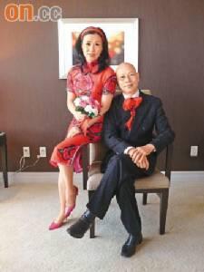"""""""หวังหมิงฉวน"""" โล่ง สามีชนะมะเร็งแล้วหลังรักษามา 10 ปีเต็ม"""