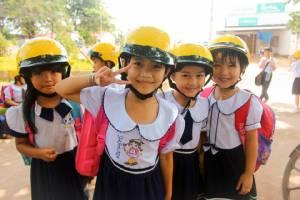 เริ่มอาทิตย์หน้าเวียดนามจับปรับผู้ปกครอง ให้ลูกนั่งซ้อนท้ายไม่สวมหมวกกันน็อก