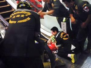 """ดรามาบันไดเลื่อนหนีบ """"คนไทยไม่ระวัง"""" กับ """"ภาพลักษณ์ที่ต้องรักษา"""""""