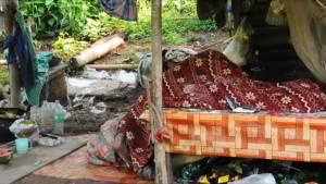 พบศพอดีตทหารในเพิงพักริมถนนเลย-ภูเรือ คาดเมาเหล้าบวกอากาศร้อนเลยช็อกดับ