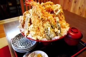 อิ่มเกินคุ้ม! ร้านอาหารจานยักษ์ในญี่ปุ่น