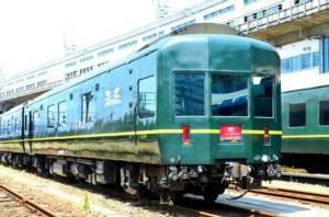กินลมชมวิว บนรถไฟโบราณสุดหรูของญี่ปุ่น