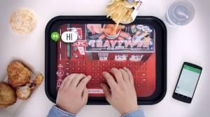 KFC โชว์คีย์บอร์ดบนถาดอาหาร Tray Typer ให้ลูกค้าพิมพ์ได้ด้วยมือเลอะไก่ทอด