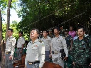 สุราษฎร์ฯ สนธิกำลังเปิดยุทธการยึดคืนผืนป่า ระบุรุกปลูกปาล์ม-ยางกว่า 4 หมื่นไร่