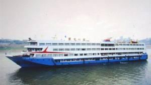 เรือท่องเที่ยวล่มกลางแม่น้ำแยงซี ผู้โดยสารวัยชราสูญหายมากกว่า 400 คน