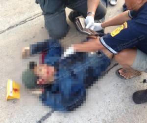 ลวงสังหารโหดหนุ่มวัย 25 กลางเมืองโก-ลก ตร.คาดปมขัดแย้งยาเสพติด