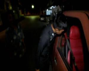 หนุ่มใหญ่เมืองจันท์โชคยังดี คนร้ายขโมยรถกระบะจอดอยู่หน้าบ้าน แต่กุญแจผีหักคาเอารถไปไม่ได้