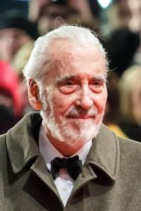 """ลาก่อน """"ซารูมาน"""" ดาวร้ายผู้ยิ่งใหญ่ """"คริสโตเฟอร์ ลี"""" ลาโลกในวัย 93 ปี"""