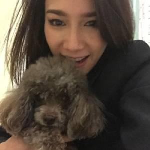 """""""อั้ม พัชราภา"""" ลงชื่อ วอนจีนยกเลิกเทศกาลกินเนื้อหมา"""
