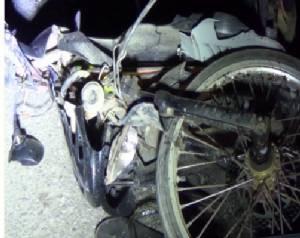 อุบัติเหตุสยองรถยนต์เฉี่ยวชน จยย.เสียชีวิต 2 ราย