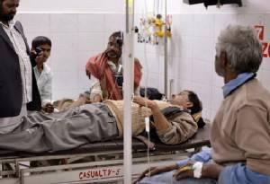 ยอดตายซดเหล้าเถื่อนแตะ100ศพ อินเดียล้อมคอกรุดปราบค้าสุราผิดกฎหมาย