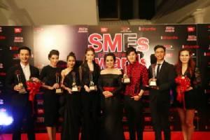 ประกาศรางวัล SMEs สร้างอาชีพ Awards ครั้งที่ 2 ดาราพาเหรดเข้ารับรางวัลเพียบ