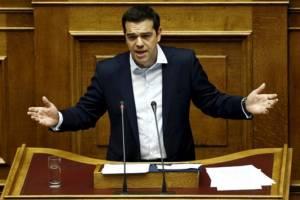 """กรีซประกาศมาตรการควบคุมเงินทุน-จ่อปิดธนาคาร 6 วันทำการ รับมือ """"วิกฤตแห่ถอนเงิน"""""""