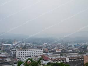 หมอกควันไฟป่าอินโดฯ ปกคลุมเบตง สาธารณสุขชี้ยังไม่เป็นอันตราย (ชมคลิป)