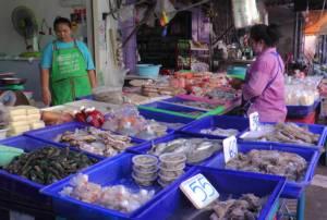 พิษจัดระเบียบเรือประมงกระทบทันควัน อาหารทะเลสดบุรีรัมย์ราคาพุ่ง