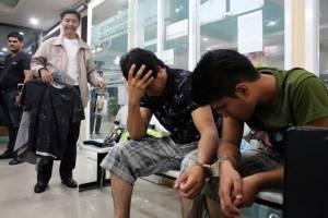 รวบ 2 หนุ่มอิหร่านฉกเสื้อผ้าห้างดังเมืองพัทยา