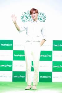 """(ชมภาพ)""""ลีมินโฮ""""บินตรงเปิดตัว """"อินนิสฟรี""""พาความงามจากเกาะเชจูมาส่งถึงไทย"""