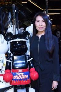 """""""มหกรรมฟิกเกอร์หุ่นหมี  80  ตัว""""  โดย  80  ศิลปินและนักออกแบบ"""