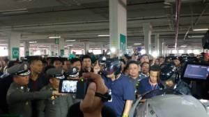 คุมตัวแก๊งปล้นรถขนเงินแบงก์กสิกรไทยทำแผน