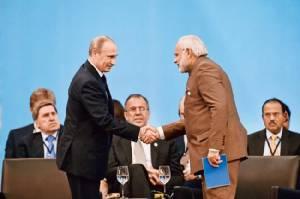 """บริษัทน้ำมันรัฐบาลรัสเซีย บรรลุข้อตกลงขายน้ำมัน """"100 ล้านตัน""""  ให้อินเดียนาน 10 ปีต่อเนื่อง"""