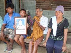 วอนช่วย! ครอบครัวหนูน้อย 13 ปีบุรีรัมย์ พ่อตาย-แม่เป็นมะเร็งระยะสุดท้าย