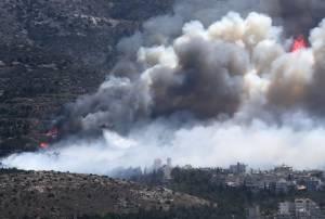 InPics & Clips : น่าสะพรึง!!ชาวกรีซต้องหนีจากบ้าน ไฟป่าโหมกระพือใกล้เมืองหลวง