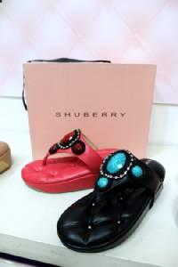 """""""Shuberry"""" รองเท้าโซฟา ย่างก้าวเริ่มจากศูนย์สู่เศรษฐีร้อยล้าน"""
