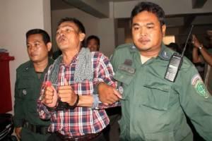 ศาลกัมพูชาตัดสินจำคุกนักเคลื่อนไหวฝ่ายค้าน 20 ปี ฐานก่อจลาจล