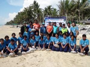 เยาวชน-ชาวประมงชายหาดระโนด ร่วมวางซั้งปล่อยพันธุ์สัตว์น้ำอนุรักษ์ทะเลไทย