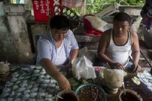 แพทย์ส่งเสียงเตือนปัญหาสุขภาพจากการเคี้ยวหมากในหมู่ชาวพม่า
