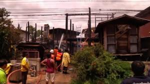เพลิงไหม้บ้านที่ขอนแก่นวอด 3 หลัง โชคดีไม่มีผู้บาดเจ็บ